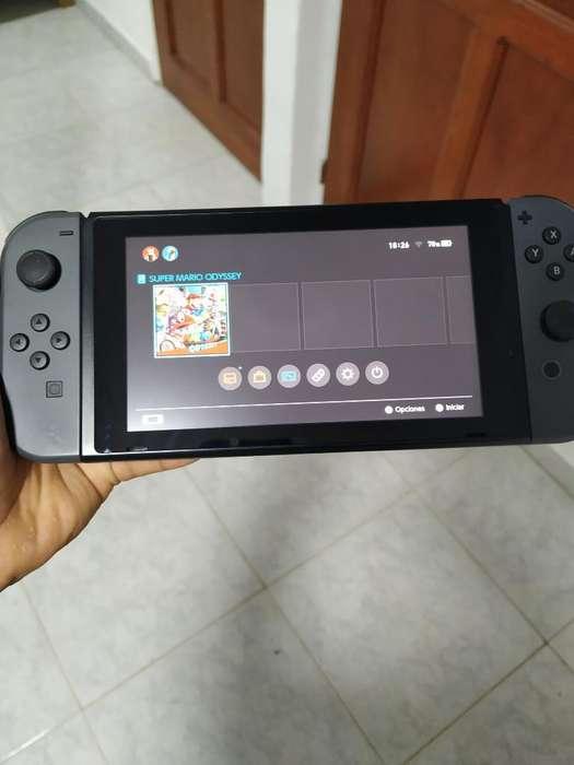 Nintendo Switch. Buen Estado con Juego