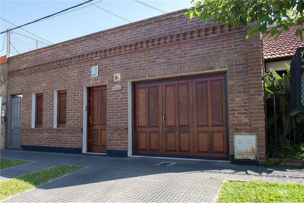 Impecable casa en venta en B Fomento 9 de Julio.