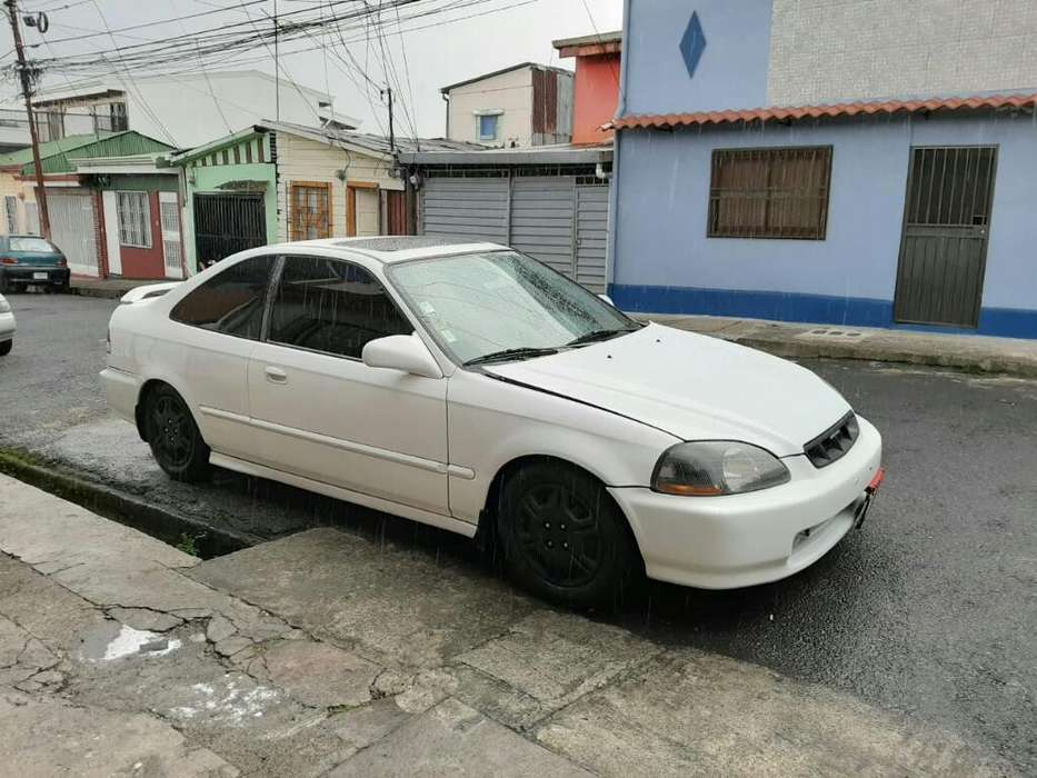 Honda Civic 1998 - 111 km
