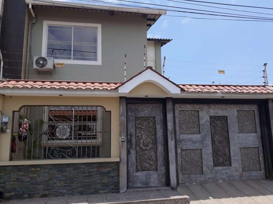 Vendo Casa Cdla Los Rosales
