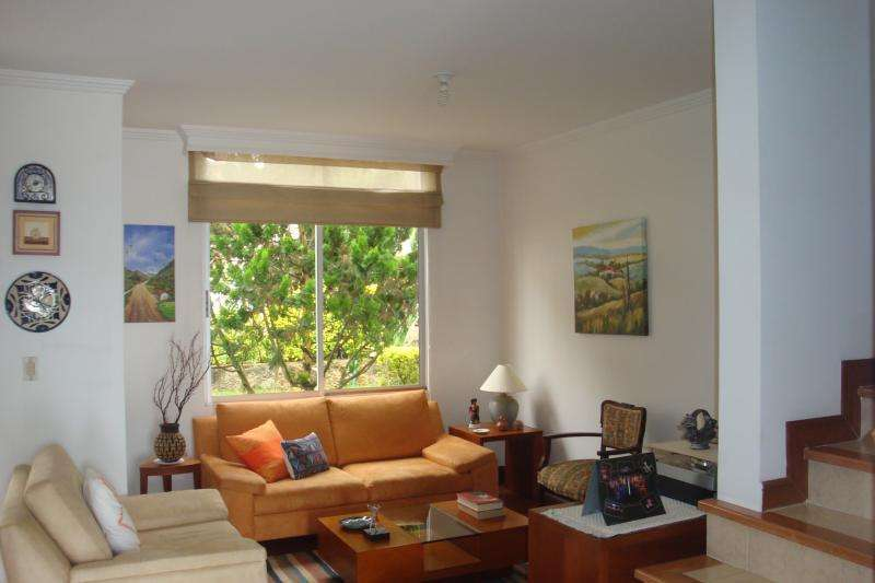 Casa En Venta En Fusagasuga Conjunto Las Heliconias Cod. VBAAV100131