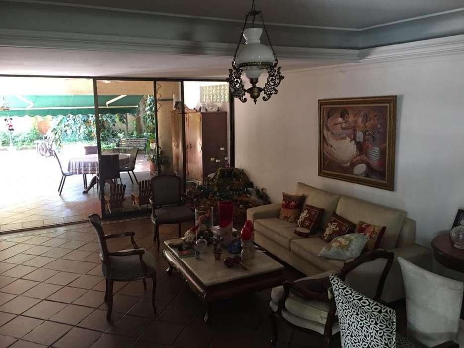 Arriendo <strong>casa</strong> en Barranquilla, excelente estado, para oficinas o negocios, excelente ubicación, Alto Prado