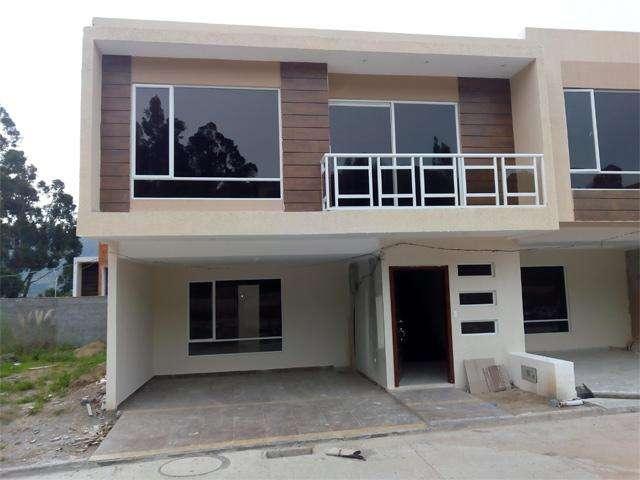 Villa en venta en Challuabamba sector Mega Tienda vía Apangora