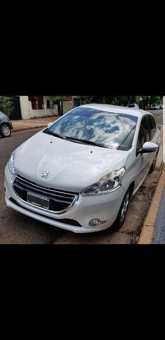 Peugeot 208 2014 - 33000 km