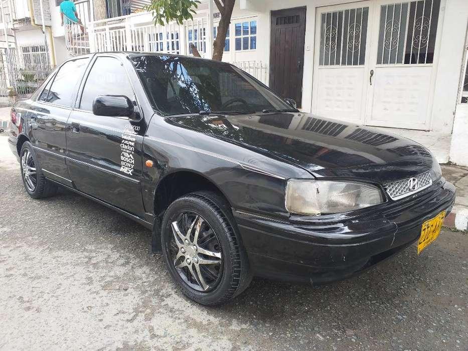 Hyundai Elantra 1994 - 12000 km