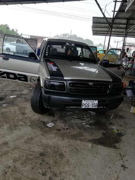 Vendo <strong>camion</strong> Eta Mazda 2600 4x4 Full Air