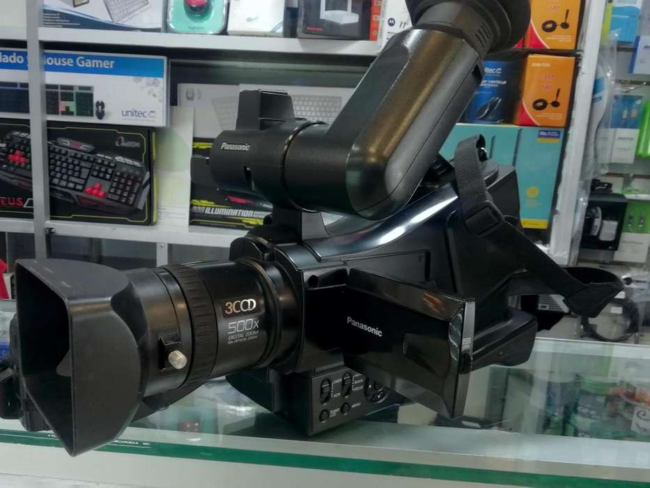 Videocámara Panasonic AG DVC 209 miniDV, buen estado, barata, funcional