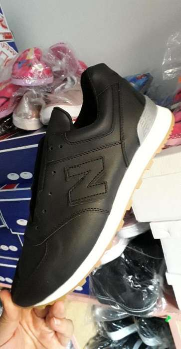 Zapatillas 30 Y 40