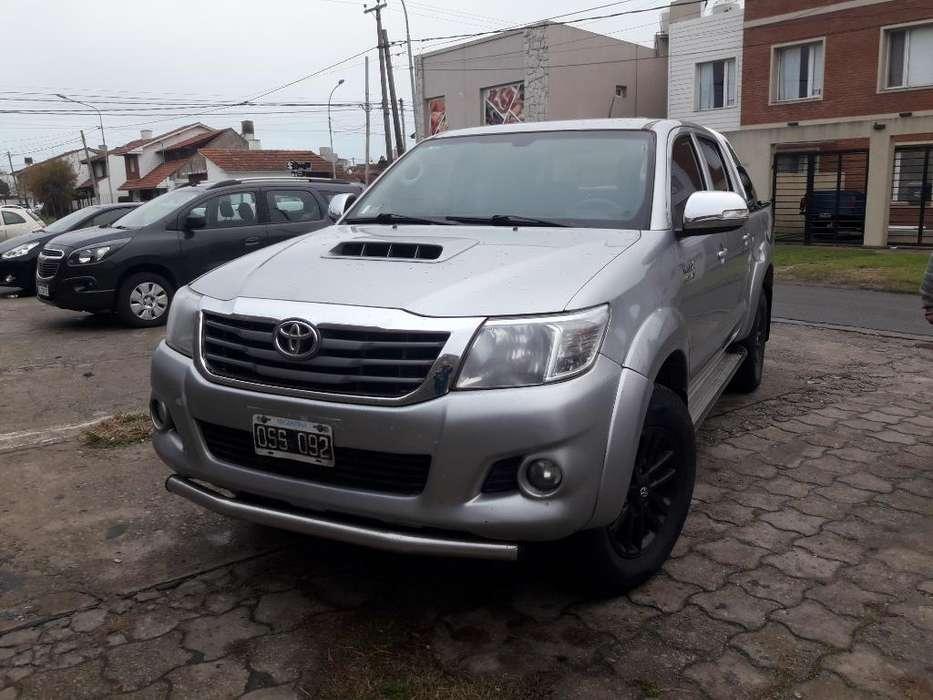 Toyota Hilux 2015 - 270000 km