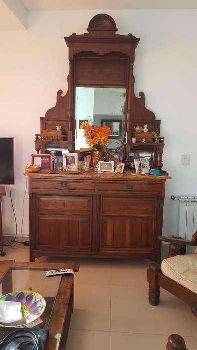 Mueble Antiguo de Roble con Marmol