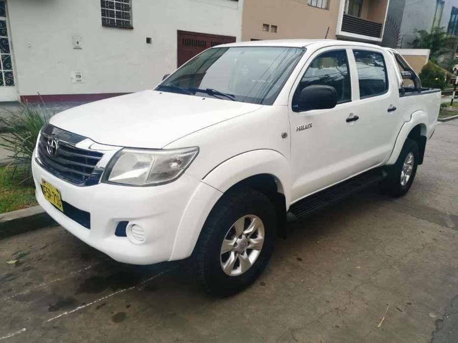 Toyota Hilux 2014 - 79000 km