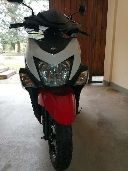 Vendo <strong>scooter</strong> Yamaha