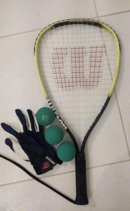 Raqueta raquetball wilson, pelotas y guante.
