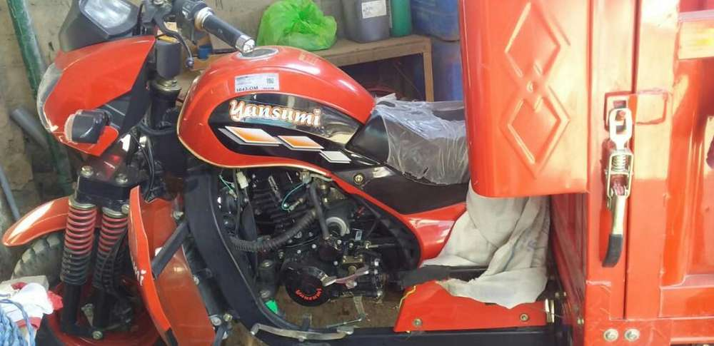 Moto Carguero Semi <strong>nueva</strong>