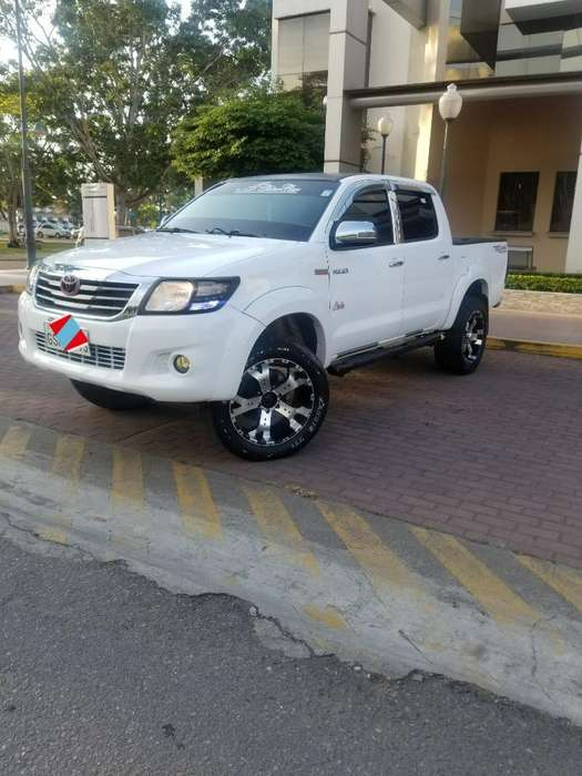 Toyota Hilux 2015 - 0 km