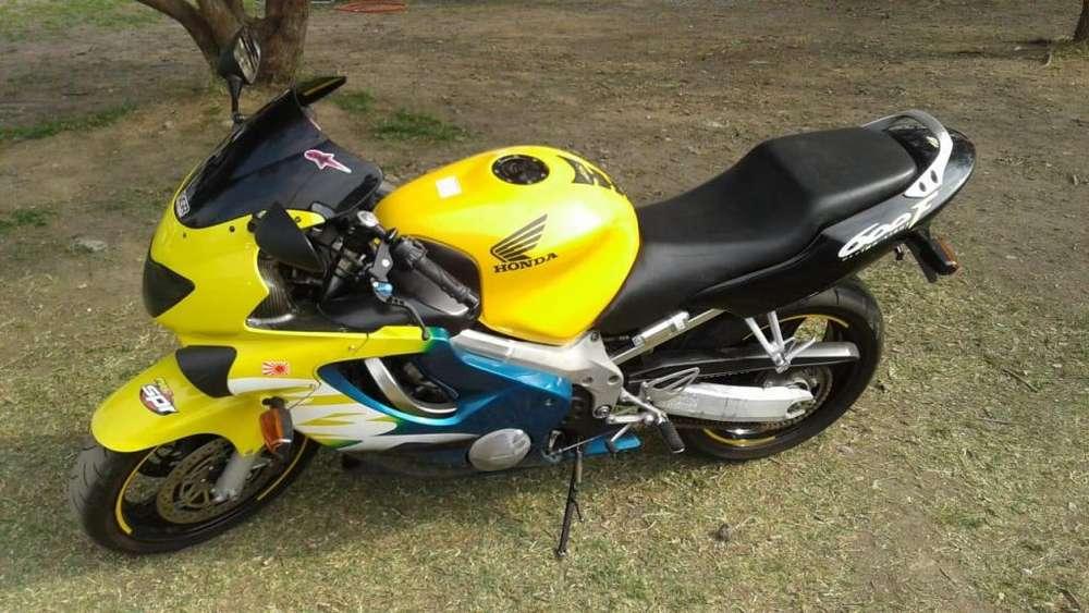 Honda Cbr 600 F4 PERMUTA X MOTO MENOR