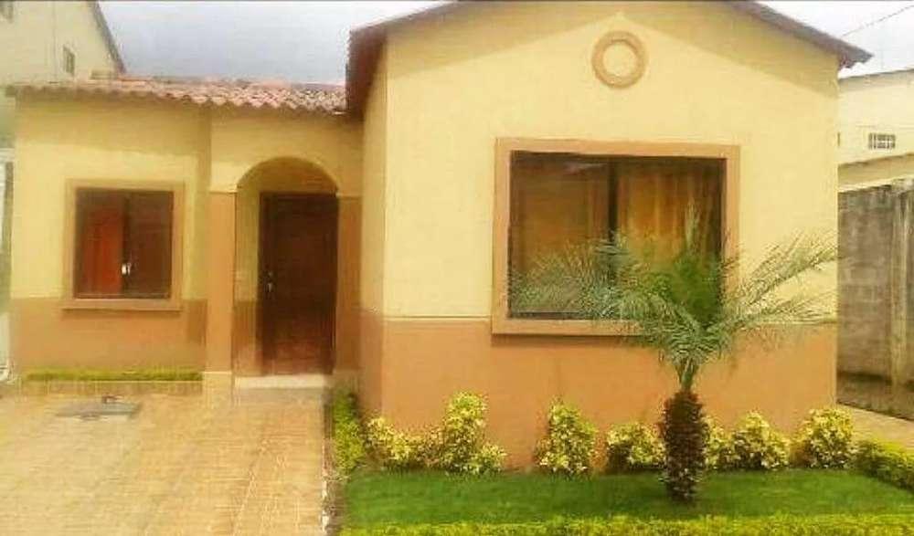 Cod #210 Venta de Casa en Urbanización Villa Club, Cerca de Villa del Rey, La Joya.