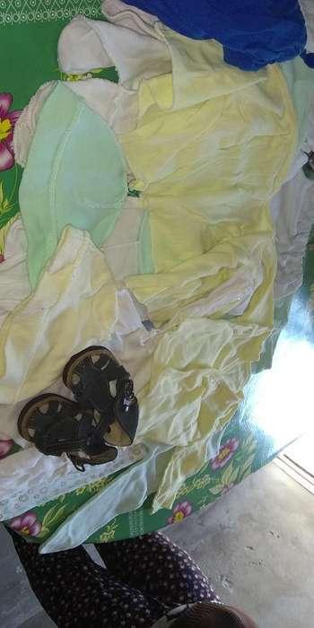 Ropita para Bebé Prematuro en Buen Estad