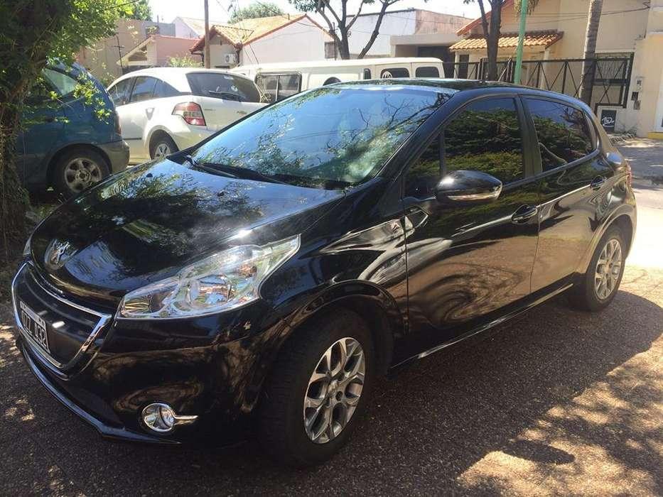 Peugeot 208 2015 - 43000 km