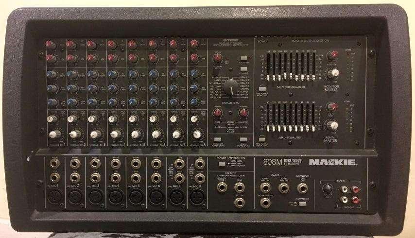 VENDO: Consola MACKIE 808S FR (1.200 wts)