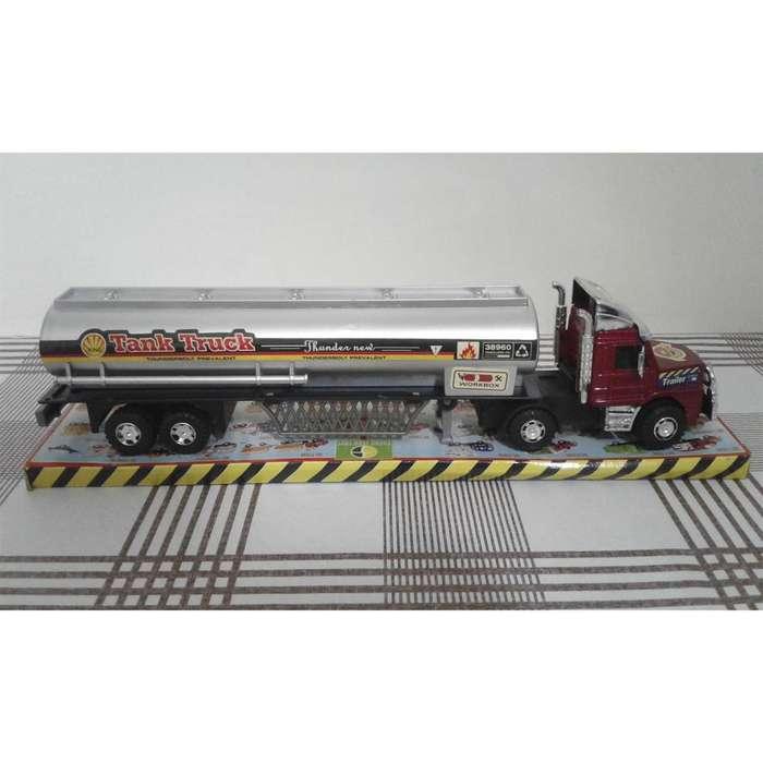 Camión transporte combustible