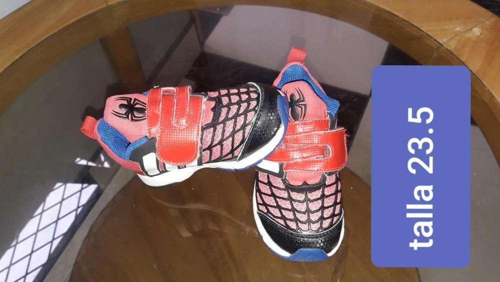 Vendo Zapatos de Niño Seminuevos