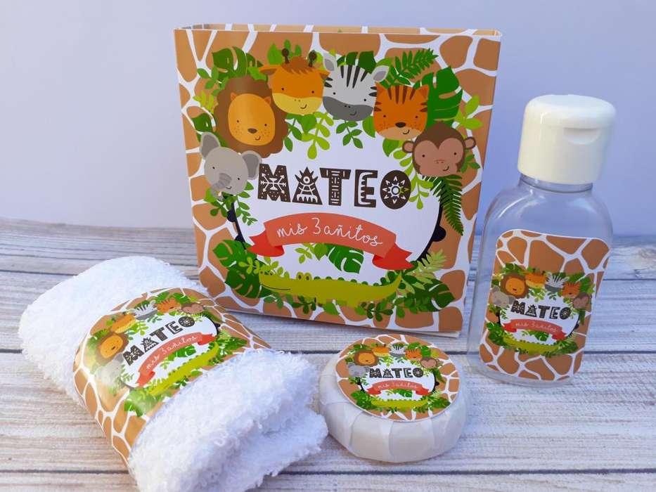 Souvenir Set Spa Personalizado Caja Jabón toalla gel de ducha o alcohol En Gel