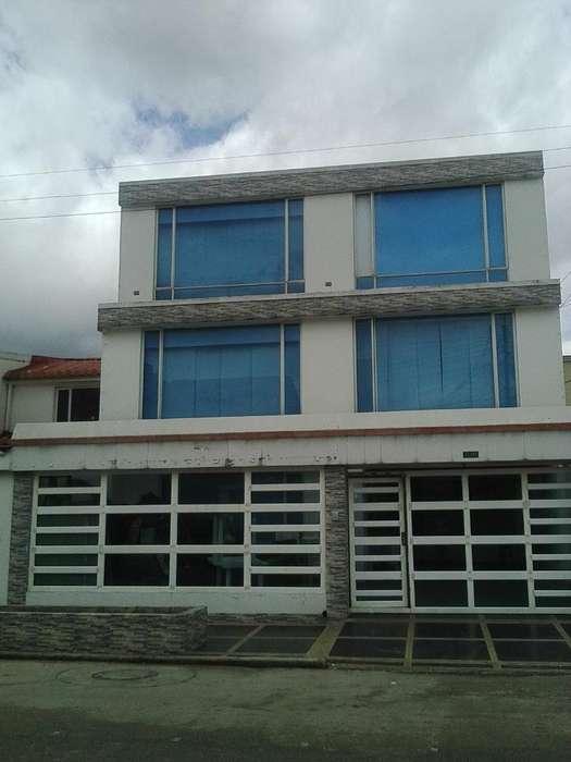 Vendo Permuto Casa 3 Pisos Modelia