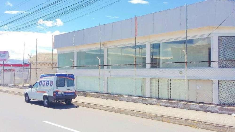 ARRIENDO LOCAL COMERCIAL DE 700 M2 Y PARQUEADERO DE 280M2 FRENTE A LA PANAMERICANA NORTE