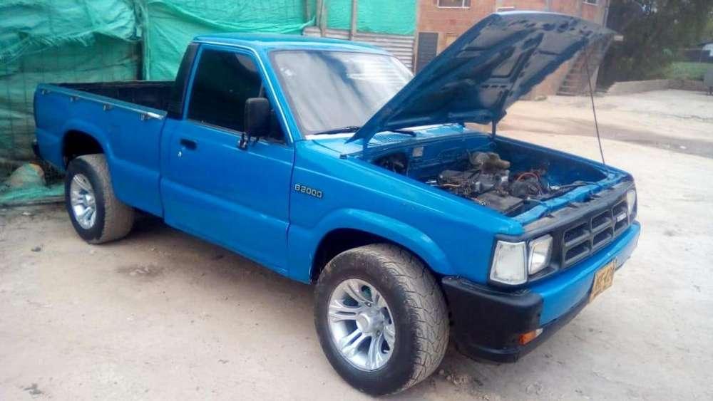 Mazda B-2000 1987 - 544864 km