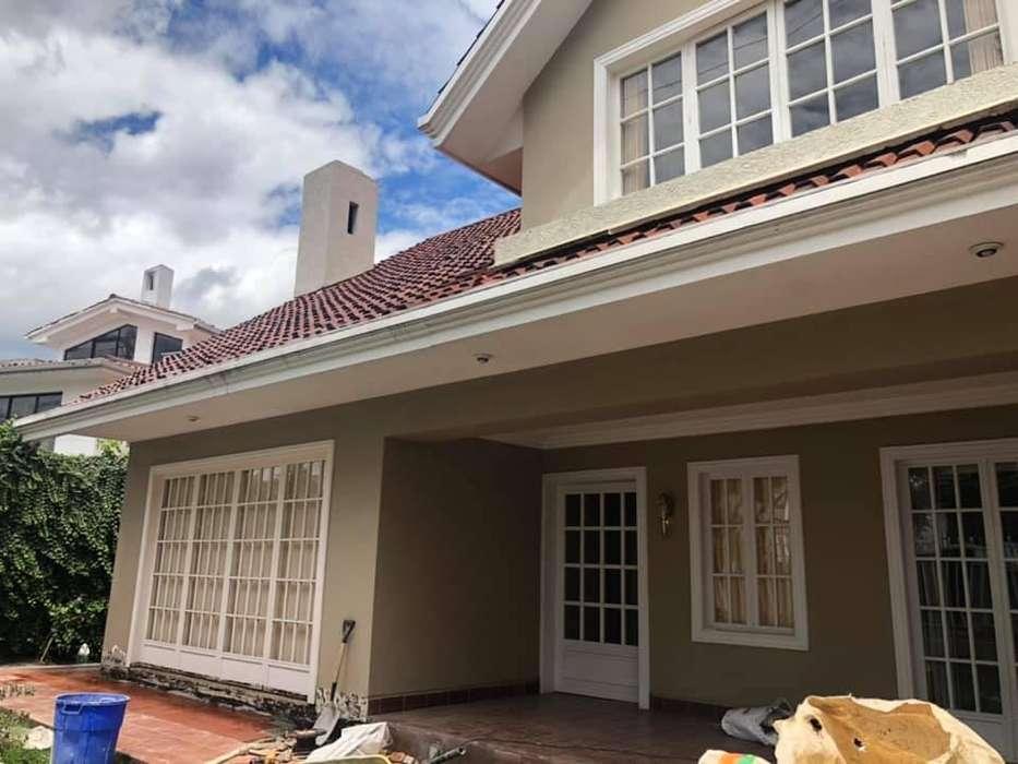 Casa comercial en renta sector Remigio Crespo (R90)