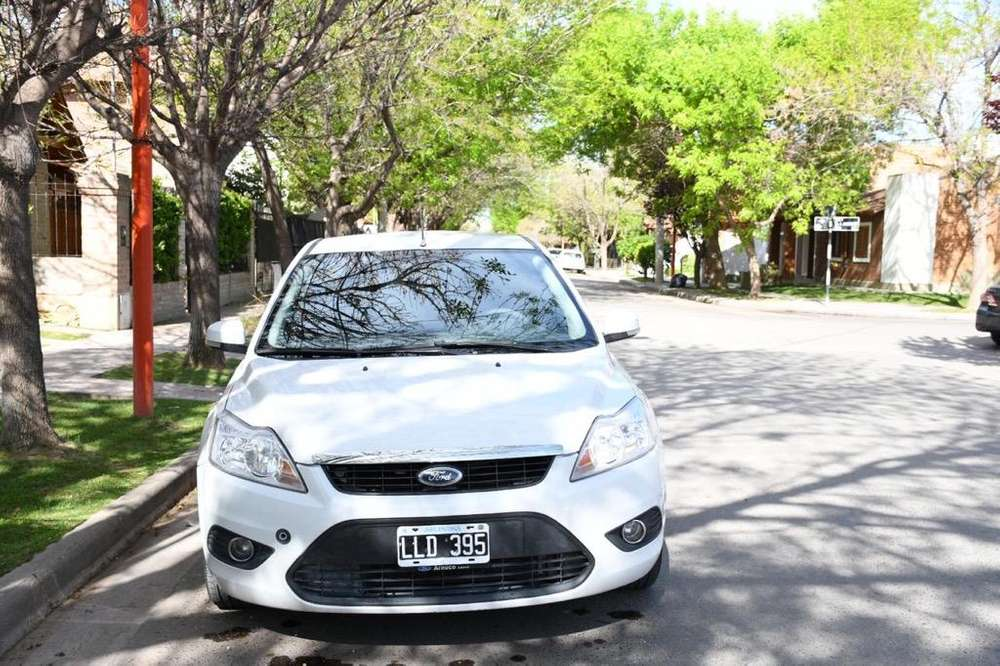 Ford Focus 2012 - 83000 km