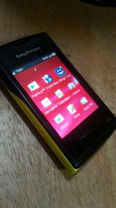 Sony Ericsson W150 Yendo Walkman Clásico