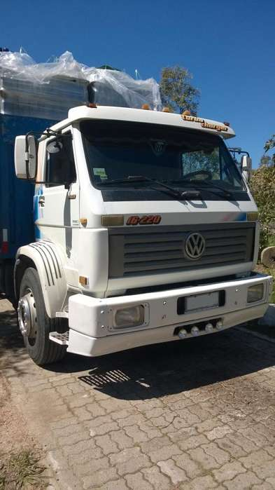 Camion Volkswagen 16220 doble eje