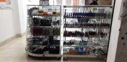 Tienda del peluquero spa uñas peluquería