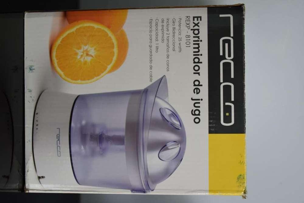 Exprimidor de naranja marca Recco