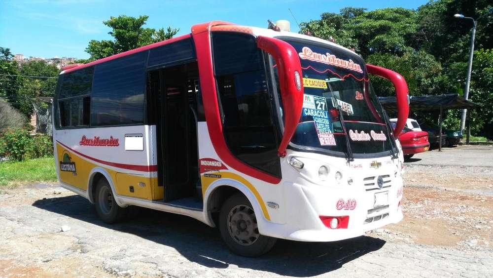 bus chevrolet NKR modelo 2009