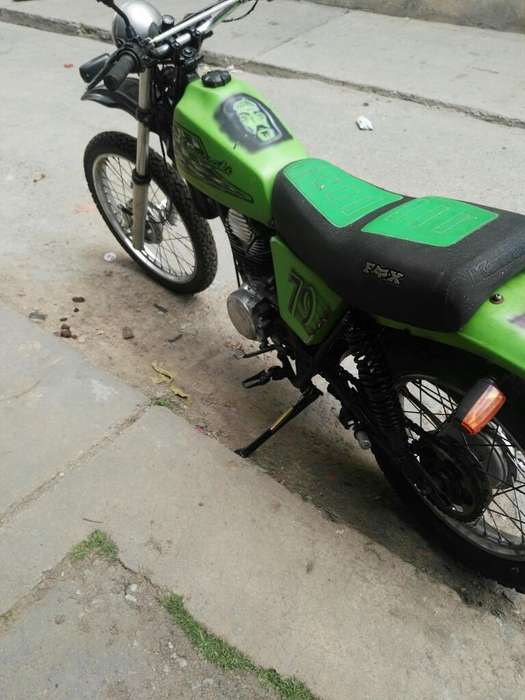 Venpermuto Barata Moto <strong>kawasaki</strong> 250 4t