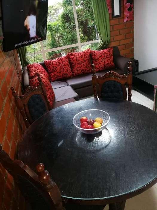Comedor en Cedro,<strong>mesa</strong> con Vidrio