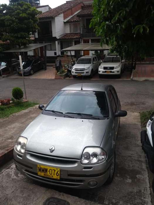 Renault Clio  2003 - 132000 km