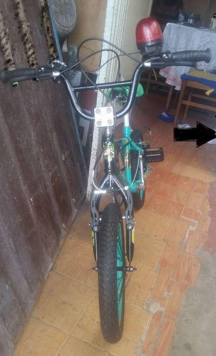 cicla BMX para niño pequeño