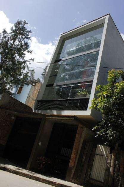 Casa Cuadruplex de estreno 245 mts2 Av. Eucaliptos Baños del Inca