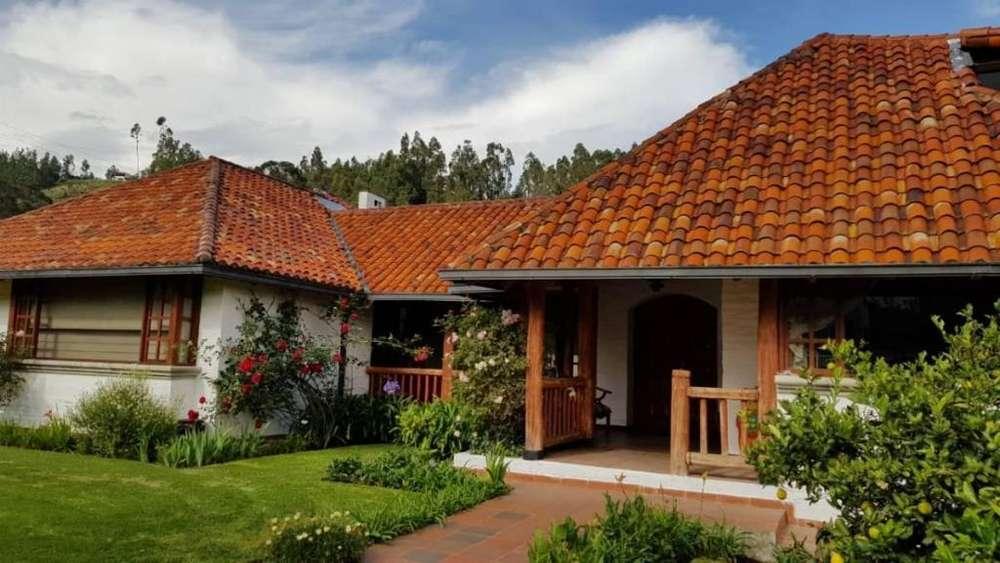 Casa en Venta en el Club Los Chillos, Los Chillos, Quito
