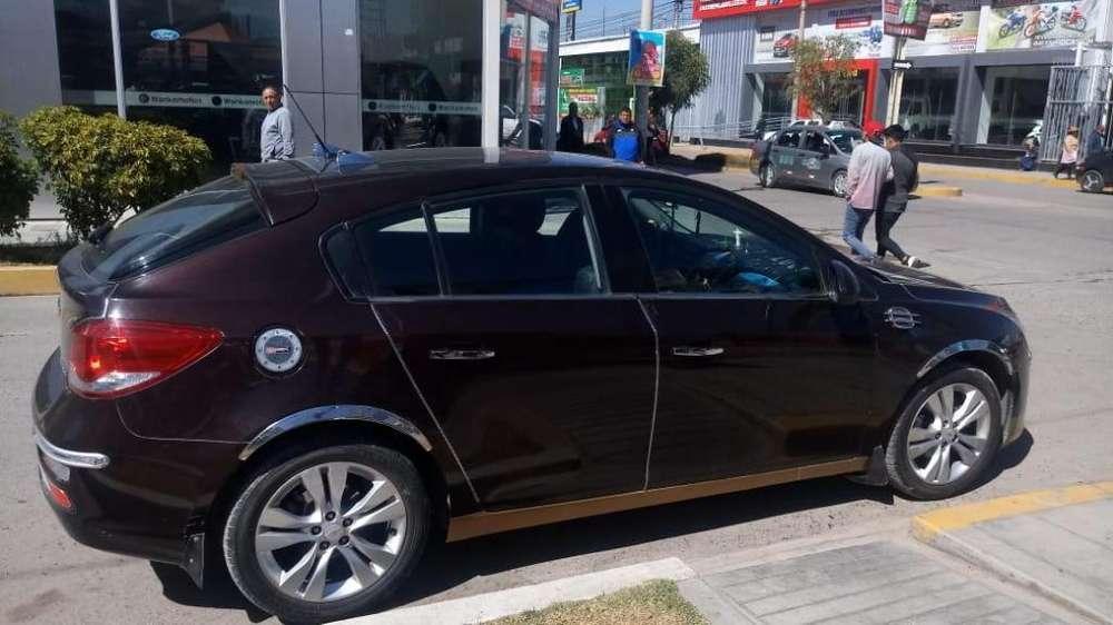 Chevrolet Cruze hatchback 2014 - 24000 km
