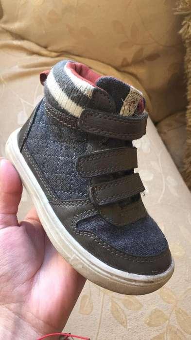 Zapatos Carters de Niño Talla 7