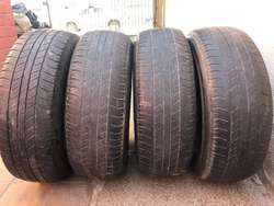 Cubierta Bridgestone 265 65R17 para Hilux