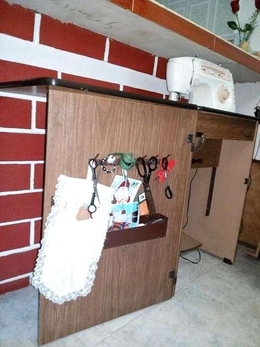 maquina de cocer marca karina