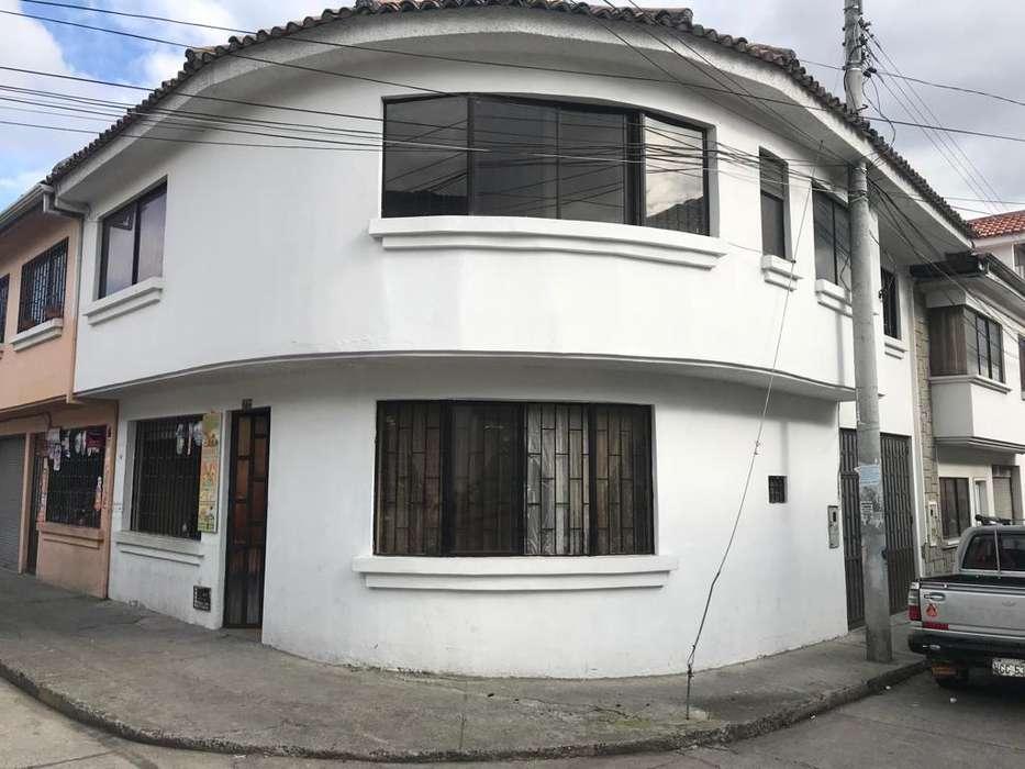 Se Vende Linda Casa 4 Dormitorios, Parque la Libertad