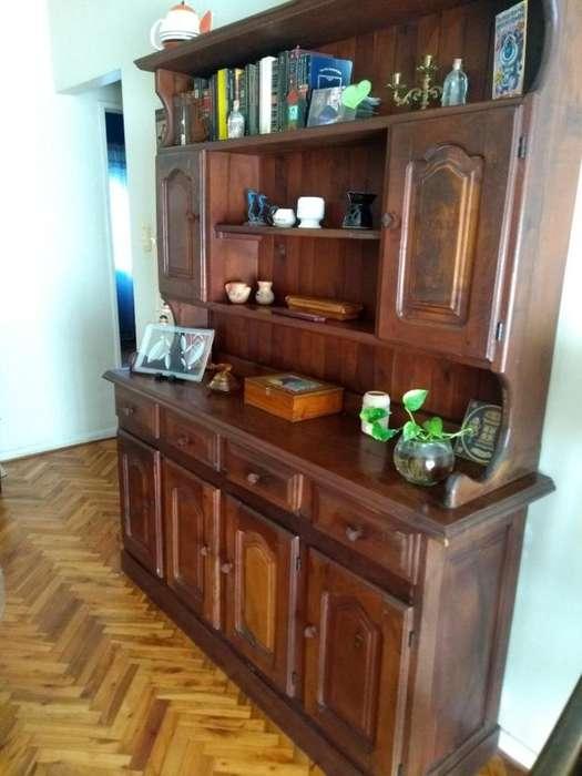 mueble de algarrobo usado