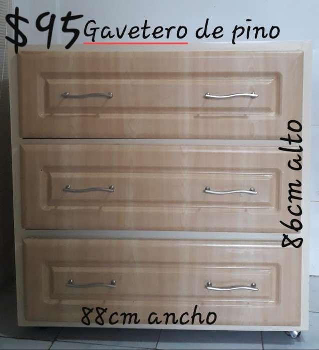 Gavetero de Pino